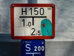 #0023 Hydrant Bird